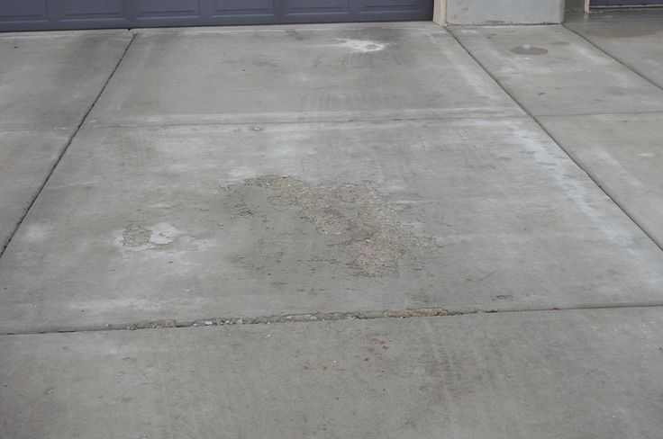 4 things you should know about concrete surface problems for Bleaching concrete driveway