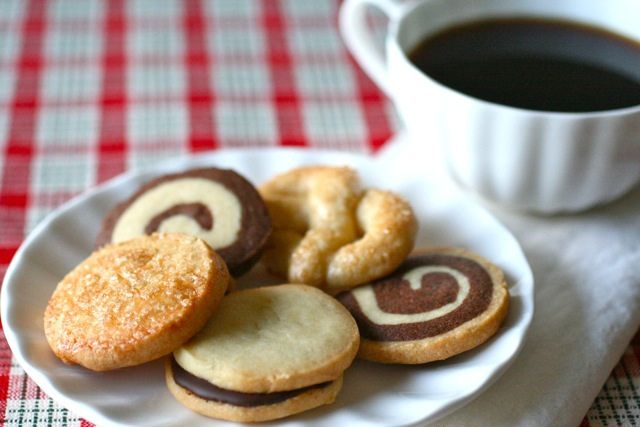 tried to make the spiral cookies using the Martha Steward Cookies book and it was a complete fail so I will have to try Annies-eats recipe