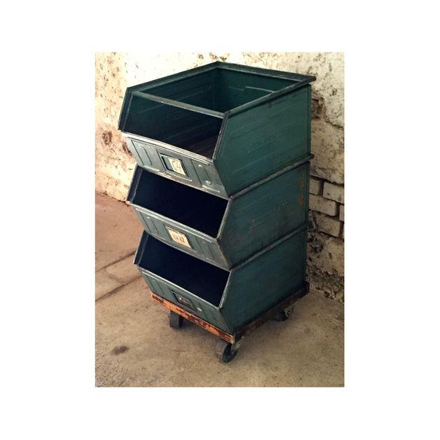 Vintage Regale - Loft Regal Industrie - ein Designerstück von halemasago bei DaWanda