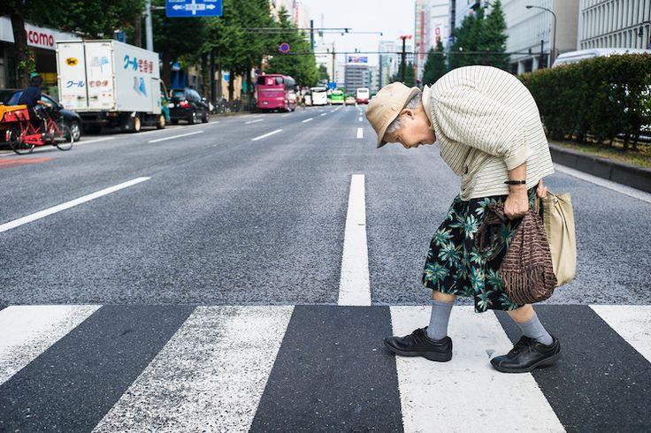 Portraits Candides des Personnes âgées de Tokyo par Lee Chapman (1)
