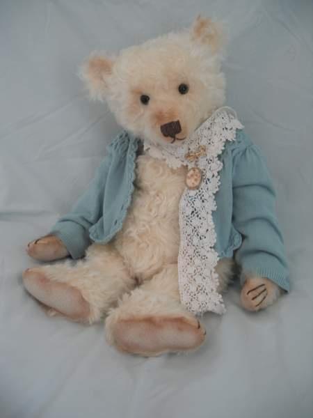 •.¸.•´ ` ❤☆.¸.☆ *❤•.¸.•´ `•.¸.•´ ` ❤☆.¸.☆ Lottie Fullabrook by Barricane Bear…