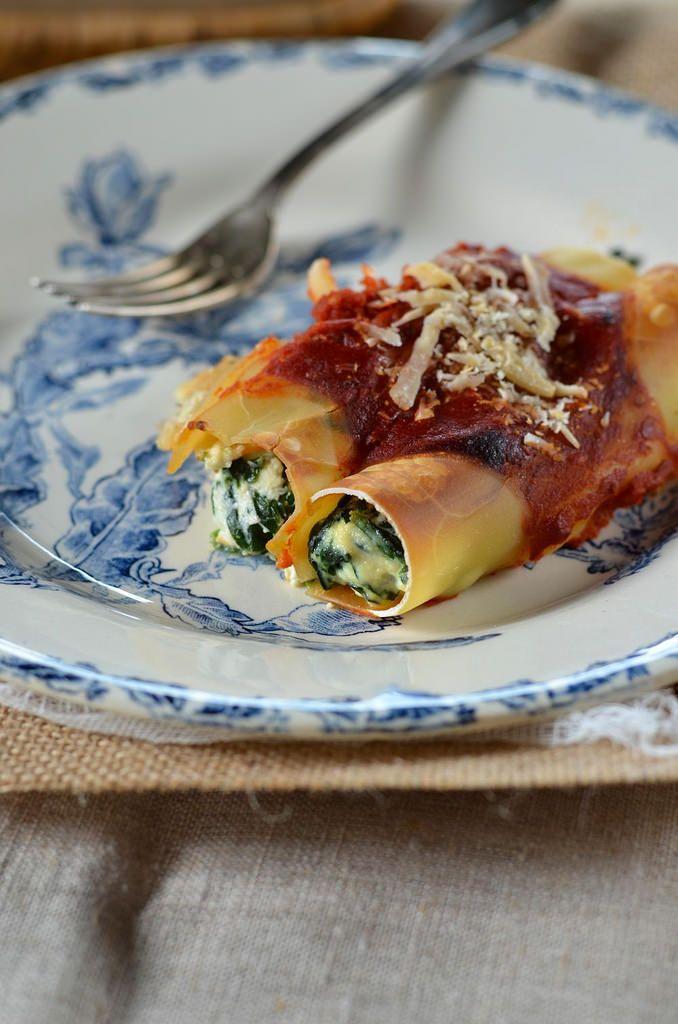 Je fais régulièrement des cannellonis mais pour cette recette de Cannelloni ricotta épinard, j'ai expérimenté une technique délicieuse...