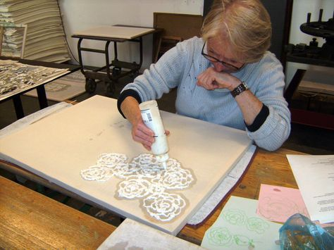 Writing and drawing with wet paper pulp
