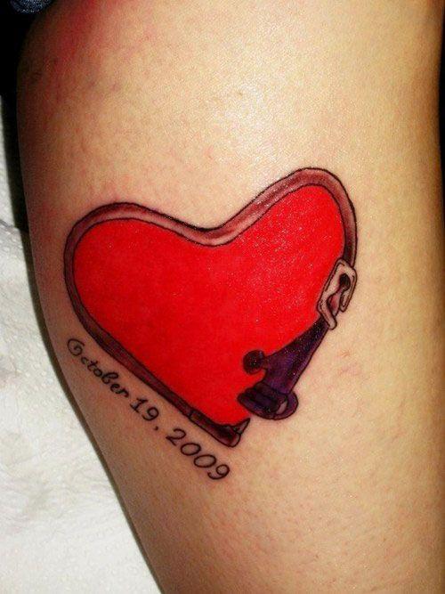 25 Lovely Small Heart Tattoos | CreativeFan