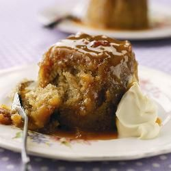 Little Sticky Toffee Puddings with Baileys Cream
