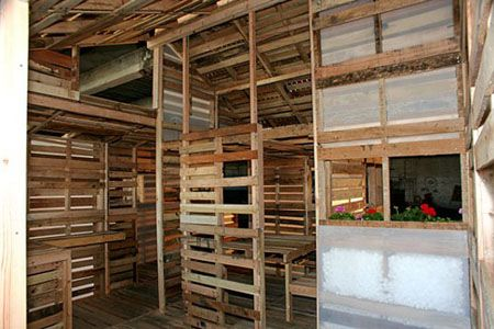 The Domestic Curator: DIY IKEA-Style Recycled Pallet House