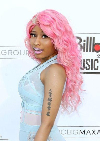 Nicki Minajs pink curls hairstyle