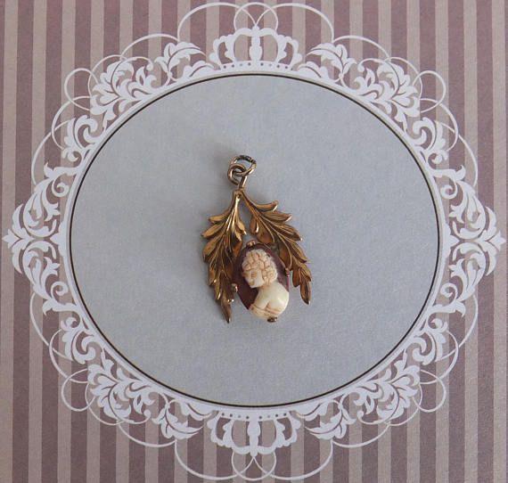 Antique pendentif camée-médaillon art