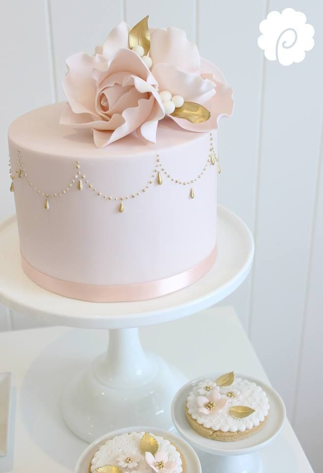 Sweet Soft Pink Single Tiered Cake with Soft Pink Flower and touches of Gold