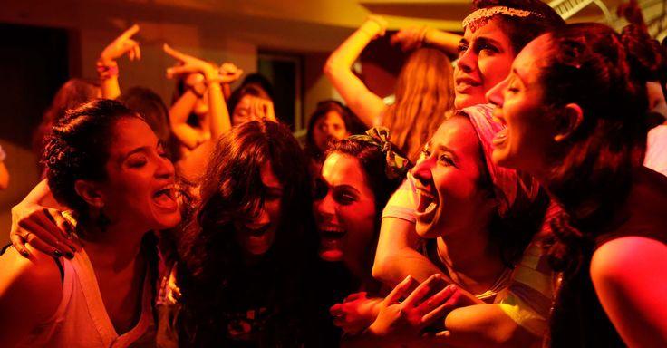 Zornige indische Göttinnen - 7 Göttinnen Der Film Zornige indische Göttinnen hat mich schon im Kino begeistert. Hier könnt ihr eine von 2 DVDs gewinnen. #film #lifestyle #kultur #gewinnspiel #wonderwall #women
