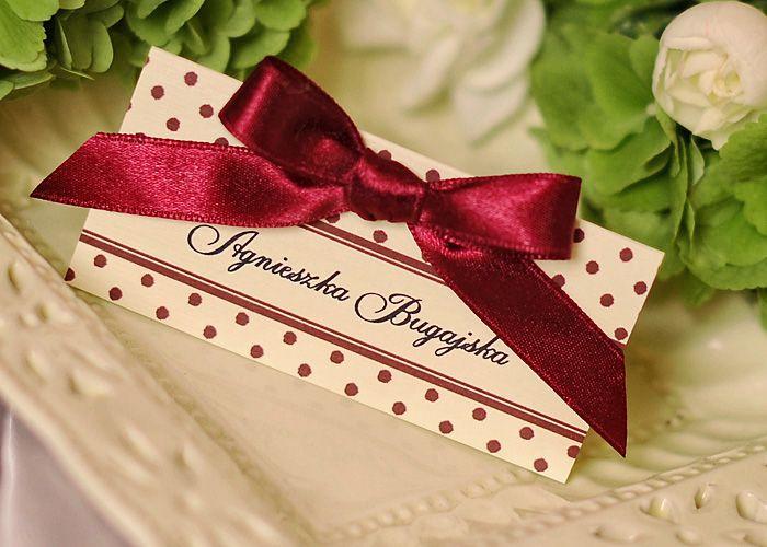 Winietki kropeczki 12-krp-w#decorisus #zaproszeniaslubne #slubnezaproszenia #weddinginvitations #wedding #wino #bordowy #marsala #weddingideas #birdal #bridetobe #burgundy #weddings #bigday #papeteriaslubna #motywprzewodni #pannamłoda #weddingstyle #maroon #winietki #tabliczki #placecards #polkadots #kropeczki