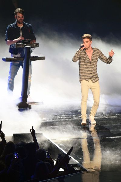 (L-R) Alex Pall and  Andrew Taggart of The Chainsmokers perform onstage during…