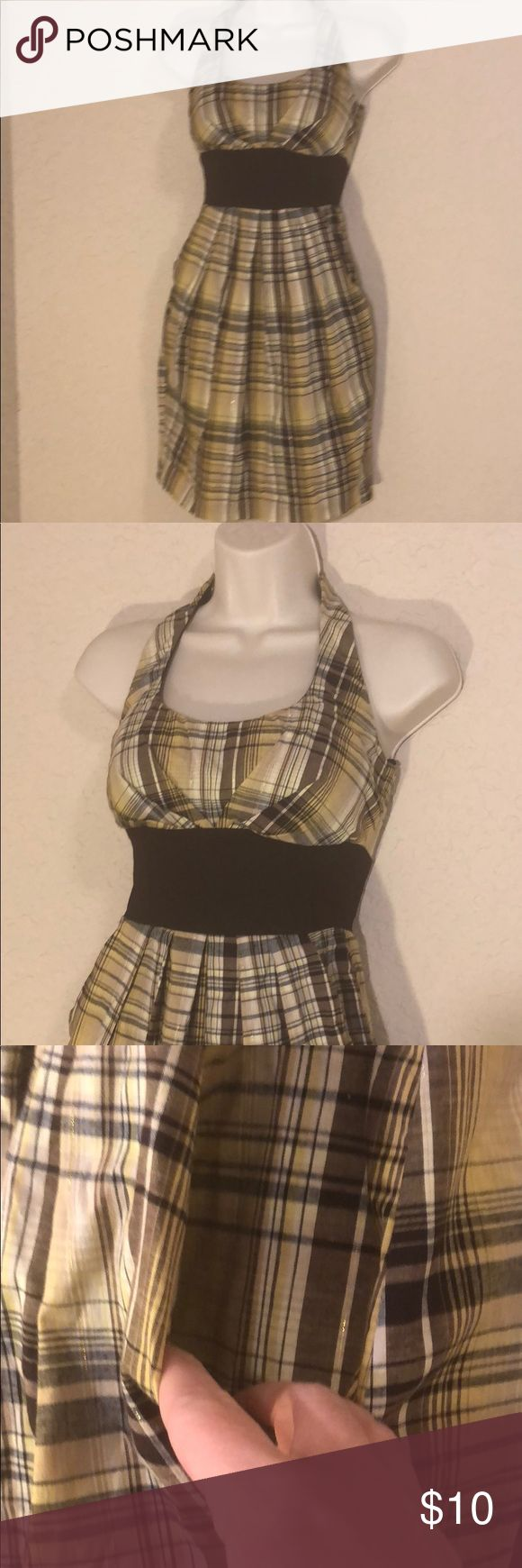 Plaid halter dress: with pockets! Yellow and brown plaid halter dress with gold accents . It has pockets and is really cute. B. smart Dresses Midi