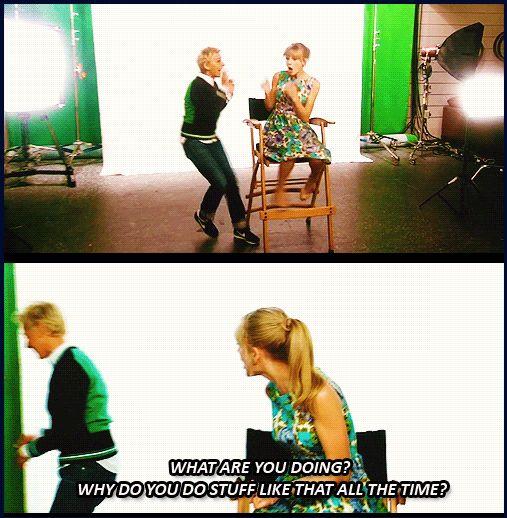 Ellen scaring Taylor...again! Hahaha!