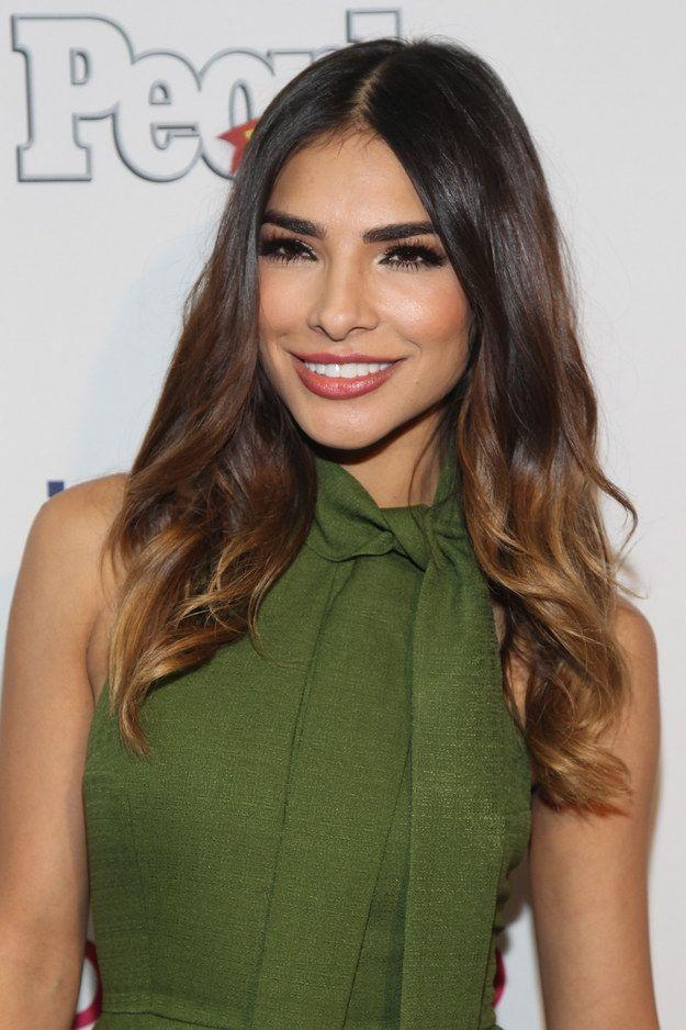 Alejandra Espinoza: | 17 Celebridades que tienen sonrisas envidiables Share and enjoy! #amolatina www.TangoJuntos.com