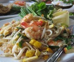 Fideos de arroz y verduras