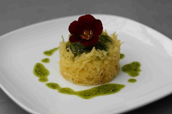 (20) Spaghettikürbis mit Kapuzinerkresse-Pesto   Pesto Variationen   Pinterest