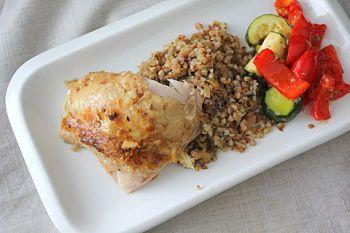 Курица, фаршированная гречкой - рецепт с пошаговыми фото / Меню недели