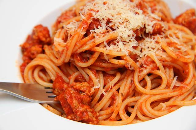 Bolognai spagetti recept (Spaghetti Bolognese) | Varga Gábor receptje - Cookpad receptek