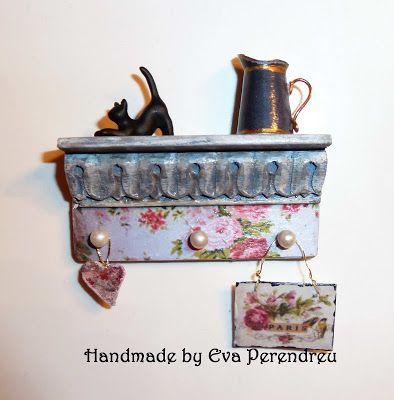 Mini Escenas, Miniaturas de Eva Perendreu: Estantes en miniatura - estantes Dollhouse miniatura (ropa de rack)
