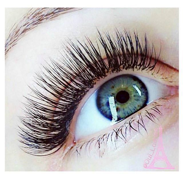 0988299f1a9 Some hybrid magic ✨ volume and classic mix C curl .07 .12, .15 9-13mm by  @redlashstudio #bellalash #eyelashextensions   Lash Inspiration in 2019    Eyelash ...