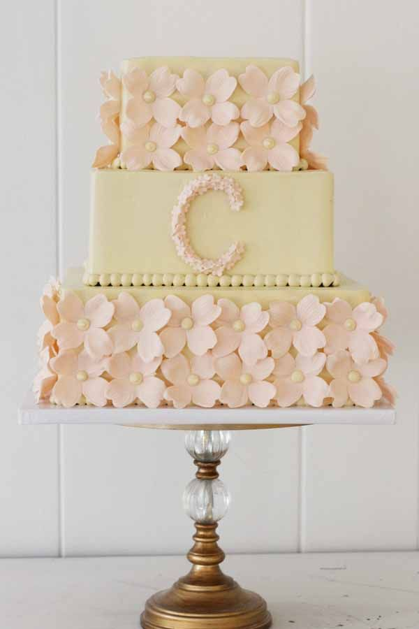 wedding cakes northern new jersey%0A C    wedding cake with fondant flowers and monogram