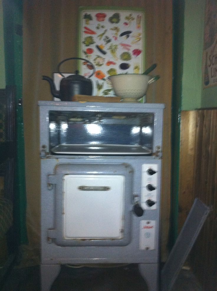 Found this old Hotpoint cooker in The Bell, Warham Norfolk – a wonderful pub