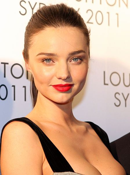 Supermodel says coconut oil is good, epidurals are bad. The more I read about Miranda Kerr, the more I like her :)