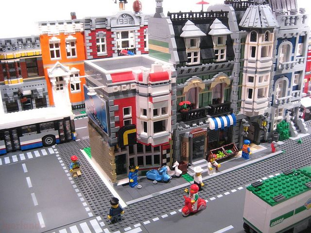Lego Town Scooter Shop | Flickr - Photo Sharing!