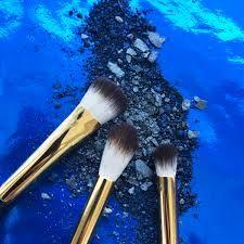 Τολμήστε! Αναδείξτε το βλέμμα σας υιοθετώντας την τάση του Μπλε!Δώστε το καλύτερο αποτέλεσμα στα μάτια σας με τις Everyday Eyes Shadows της Milani Cosmetics.&n