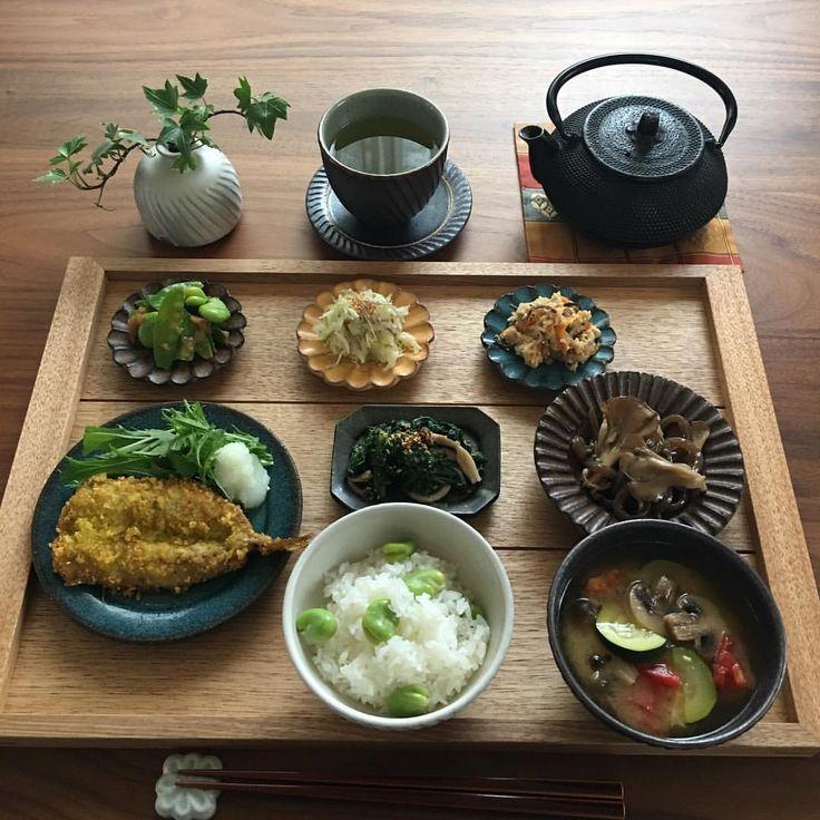 いいね!846件、コメント23件 ― YOKOさん(@yoko_0u.u0)のInstagramアカウント: 「2017.5.16(火) 今朝は鰯のフライで朝ごはんです。 カレー粉と塩胡椒で下味し残っていた おからで揚げました。 最近のお気に入り新玉ねぎのソースと 水菜を添えていただきました。 .…」