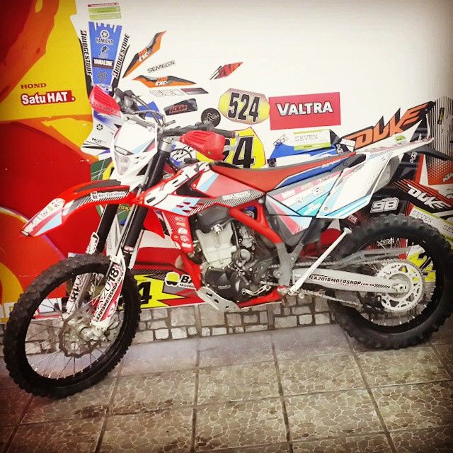 #diseño #ploteo #vinilo #calcos #sticker #motos #beta #enduro #tucuman