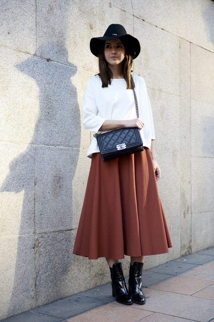 Alexandra Pereira Lovely Pepa Chanel Boy bag H&M skirt Suiteblanco top Zara booties Forever 21hat #streetstyle
