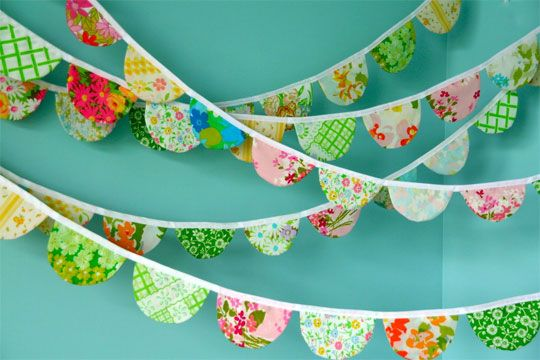 using vintage linen  http://www.ohdeedoh.com/ohdeedoh/how-to/reader-project-scalloped-fabric-garland-094354