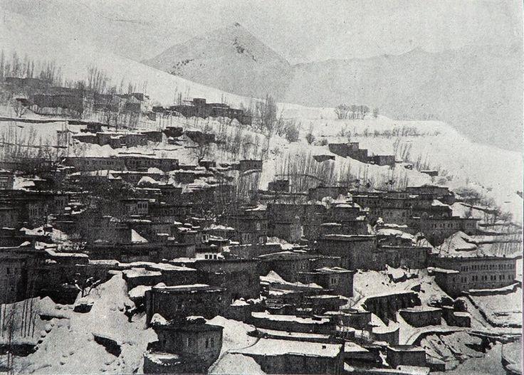 Bitlis 1926    The town of Bitlis (Source: C.F. Lehmann-Haupt, Armenien Einst und Jetzt, Berlin / Leipzig, 1926)
