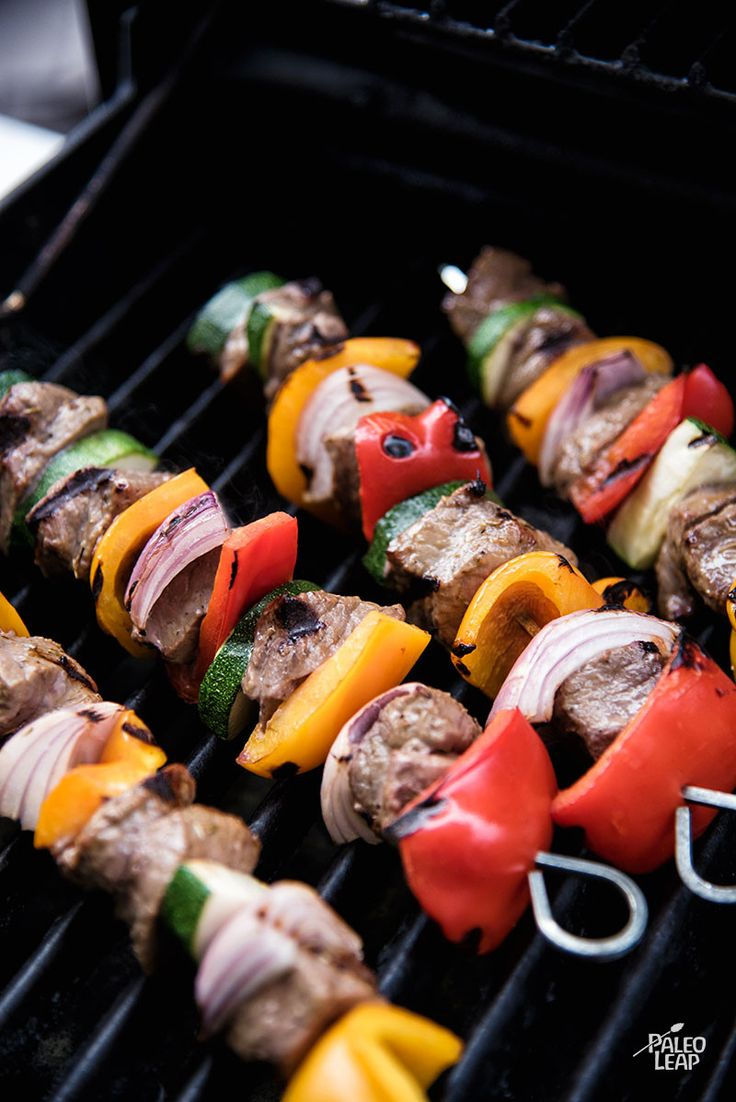A classic grilling recipe full of summery colors, with a marinade you don't have to wait for.