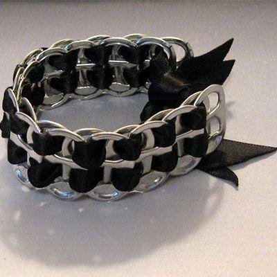 Pulseiras com lacres de latinhas - Metal - Arte Reciclada