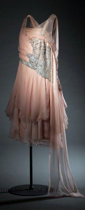 French Dress, circa 1927 by Havet-Agnes, Paris. Via FIDM Museum.