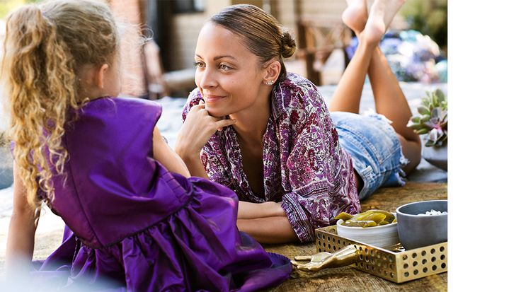 Nicole Richie entertaining with her #kellywearstler Salone Tray: http://www.kellywearstler.com/SALONE-TRAY/HF13BR13316,default,pd.html?dwvar_HF13BR13316_color=1=1=product%2fproduct=63