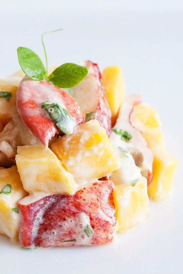 Lobster and mango salad - A refreshing and delicious lobster salad recipe with mango. Lobster and mango salad is a great salad to start a multi-course meal. | rasamalaysia.com