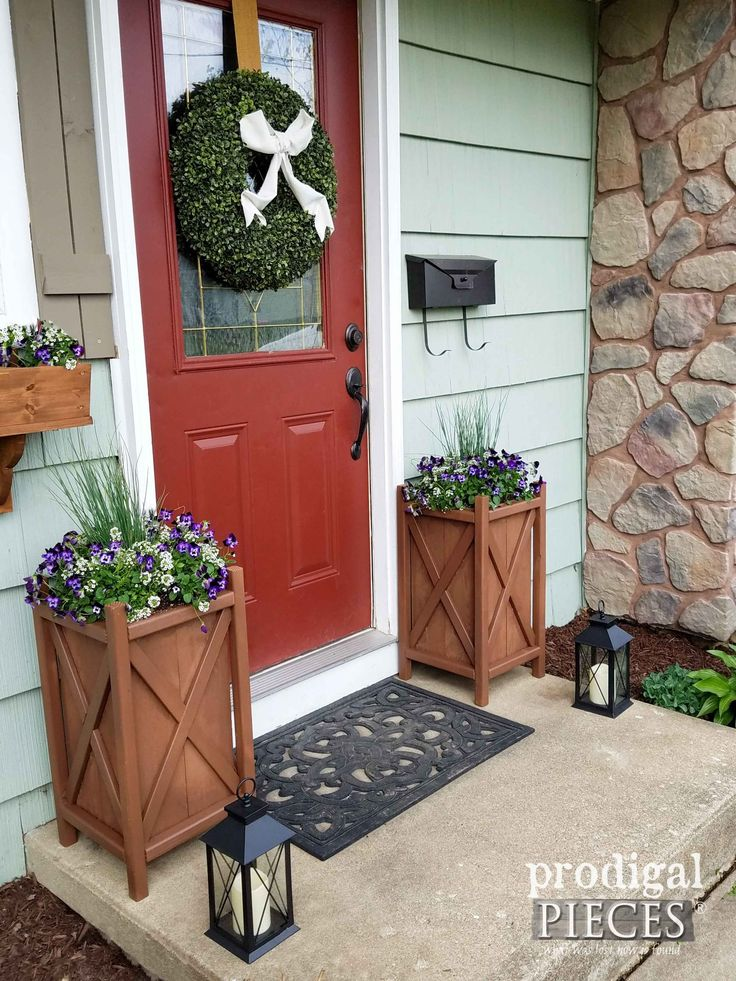 Build these DIY Planters for added curb appeal. Tutorial by Prodigal Pieces   prodigalpieces.com