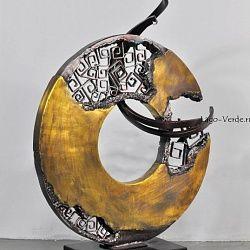 Арт скульптура из металла