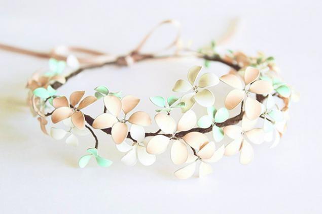 Corona de flores de primavera o una segunda vida de esmalte de uñas. - Masters Feria - hecho a mano, hecho a mano