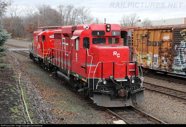 RailPictures.Net Photo: RCRY 5 Raritan Central Railway EMD GP30 at Edison, New Jersey by Carl Perelman