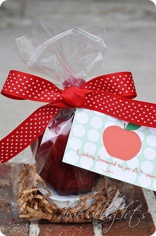 Teacher Gift ~ Apple & Caramel Meet the Teacher Gift: Dixie Delights