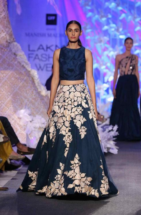 Scarlet Bindi - South Asian Fashion and Travel Blog by Neha Oberoi: LAKME FASHION WEEK SUMMER/RESORT 2016: MANISH MALHOTRA