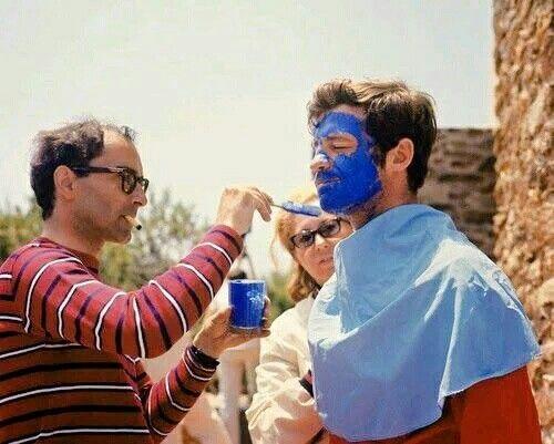 "Jean-Luc Godard y Jean-Paul Belmondo preparando la escena final de ""Pierrot le fou"" (1965)"
