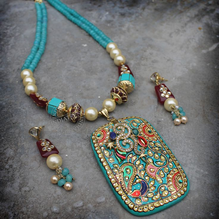 Tanishka Necklace by Indiatrend. Shop Now at WWW.INDIATRENDSHOP.COM