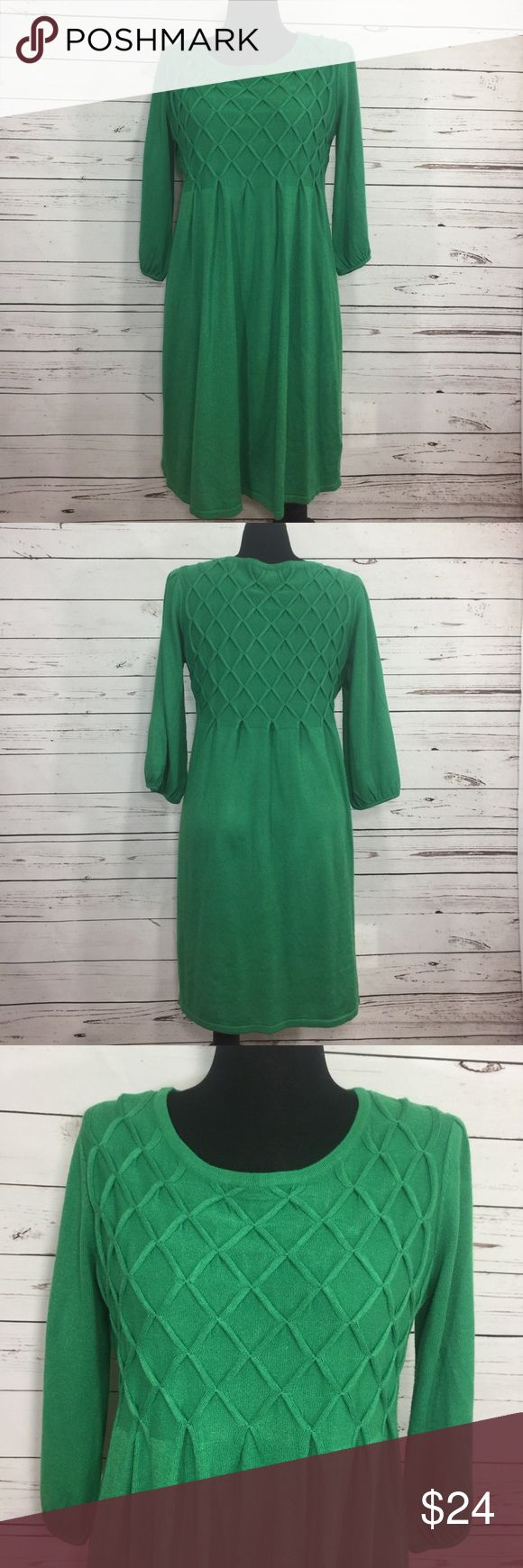 """Green sweater Dress XL Fall will be here before you know it. This dress is fall perfect! Pair with leggings and boots 😍 Cute green sweater dress. Unstretched armpit to armpit 20"""", waist 19"""", length 38.5"""" great condition Alyx Dresses Midi"""