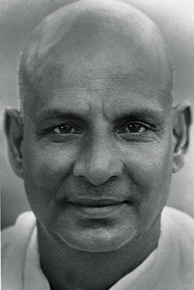 Jóga-szigetek - Szvámí Sivánanda, mesterünk, swami sivananda, guru, sadguru